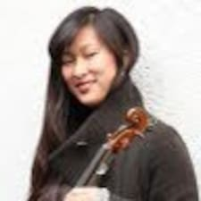 Nutzerprofil von Julia Yoo Soon