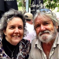Bill & Mary Anne es el anfitrión.