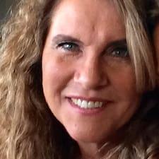 Renata F. User Profile
