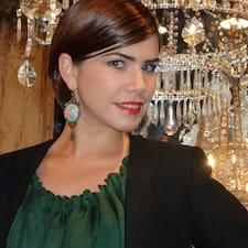 Iulia felhasználói profilja