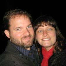 Chris & Julie est l'hôte.