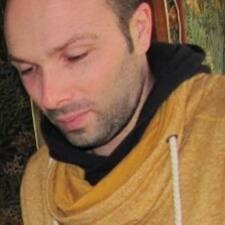 โพรไฟล์ผู้ใช้ Guillaume