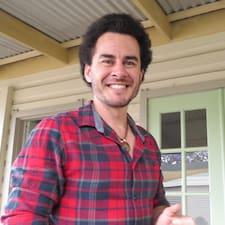 Dominic felhasználói profilja