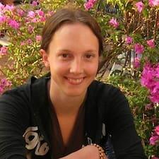 Profil Pengguna Anneke