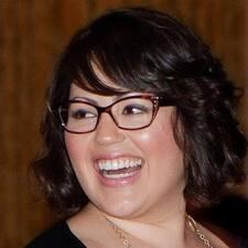 Lacey felhasználói profilja