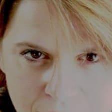 Profil Pengguna Marie-Josée
