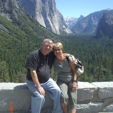 โพรไฟล์ผู้ใช้ Sylvia And Jim
