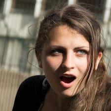 Nutzerprofil von Célia