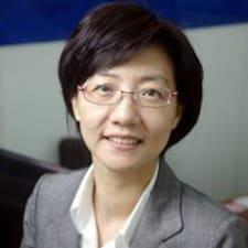 Myung Hee is the host.