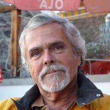 Mário è l'host.