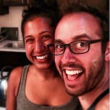 Daniel & Sangita ist der Gastgeber.