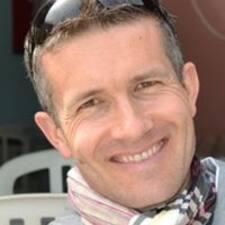 โพรไฟล์ผู้ใช้ Martin