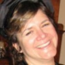 Claudia Hallさんのプロフィール