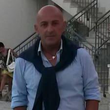 Claudio ist der Gastgeber.