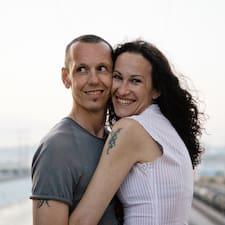 โพรไฟล์ผู้ใช้ Nadia And Fabio