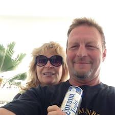 Donna And John es el anfitrión.