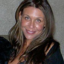 Roxanna felhasználói profilja