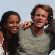 Pieter & Louise es el anfitrión.