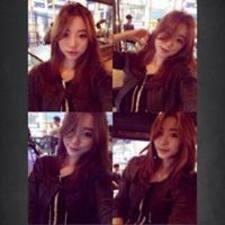 Song Yi felhasználói profilja