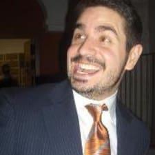 Guillermo est l'hôte.