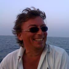 Giorgio Alberto is the host.