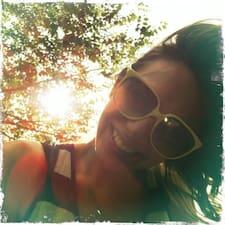 Profil Pengguna Francesca G.