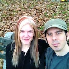 Jon & Larisa Brugerprofil