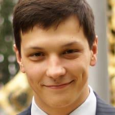 Ярослав est l'hôte.