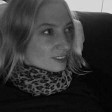 โพรไฟล์ผู้ใช้ Simone Maria