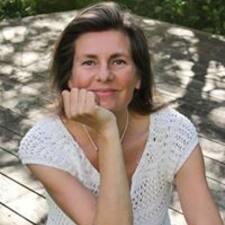 Zjisti více o hostiteli Henriette