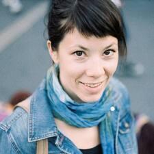 Mirna felhasználói profilja