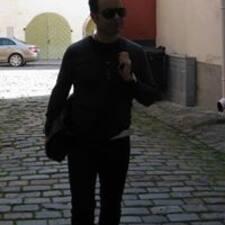 โพรไฟล์ผู้ใช้ Mika
