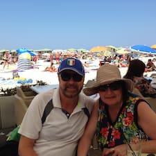 โพรไฟล์ผู้ใช้ Martin And Jenny