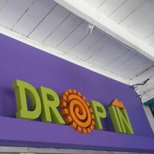 Dropin est l'hôte.