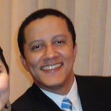 Camilo ist der Gastgeber.