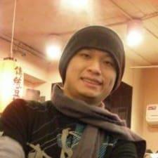 Tiaw Bin ist der Gastgeber.