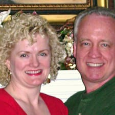 Profil Pengguna Donna & Doug