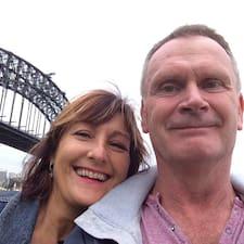 Gary And Suzanne je domaćin.