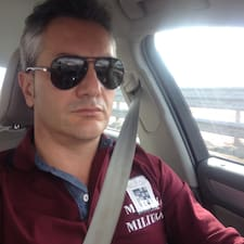 Giuseppe is a superhost.