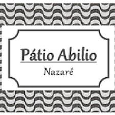 Patio Abílio คือเจ้าของที่พัก