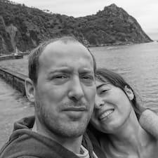 Profil Pengguna Sarah & Michel