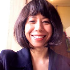 Alanna Lin est l'hôte.