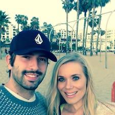 โพรไฟล์ผู้ใช้ Sarah & Nathan