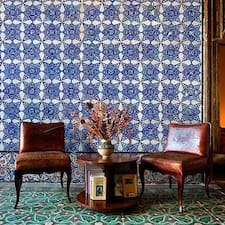 La Chambre Bleue is a superhost.