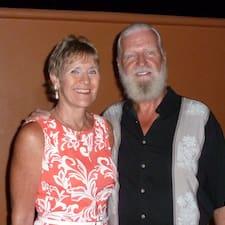 Nutzerprofil von Lloyd And Lisa