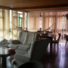 746 Hostel es el anfitrión.