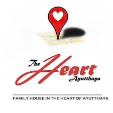 The Heart je domaćin.