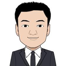Satoshi je domaćin.