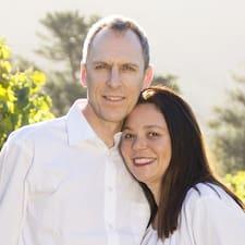 Pieter And Rebecca est l'hôte.