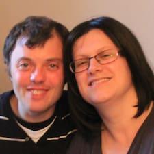 Stéphane Et Anne-Virginie is the host.